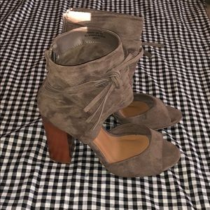 Bamboo faux suede heels
